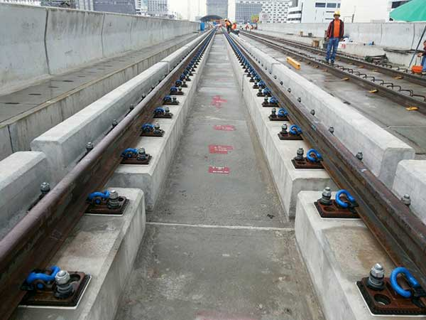 installation of rail fastenings