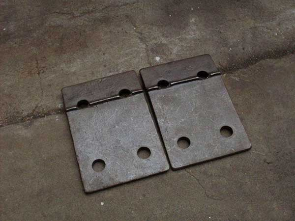 features of rail tie plates